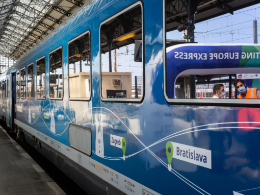 Photos corporate Connecting Europe Express